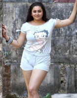 namitha-latest-hot-photoshoot-0002