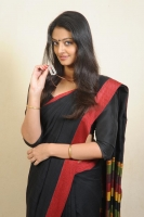 nikitha-narayan-latest-hot-photos-in-saree-136
