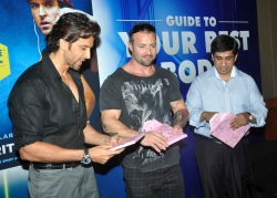bollywood-superstar-hrithik-roshan-launch-your-best-body-fitness-book_4736d91a