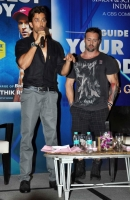 bollywood-superstar-hrithik-roshan-launch-your-best-body-fitness-book_4961ef8a
