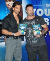bollywood-superstar-hrithik-roshan-launch-your-best-body-fitness-book_6cf09f17
