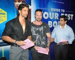 bollywood-superstar-hrithik-roshan-launch-your-best-body-fitness-book_8c9c2576