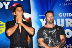 bollywood-superstar-hrithik-roshan-launch-your-best-body-fitness-book_a079129f