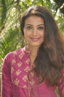 kavya-shetty-latest-stills_5afeef64