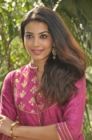 kavya-shetty-latest-stills_6554444d