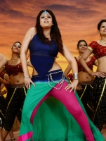 nayanthara-in-greeku-veerudu-movie-photos_cd45fd98