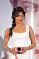 Priyanka Chopra launches Nikon 1 cameras in Mumbai