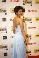 Priyanka Chopra Hot Photos in Idea Filmfare Awards