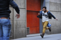 allu-arjun-in-iddarammayilatho-movie-action-stills_c938afa8