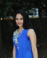 komal-sharma-beautiful-cute-stills-in-sleeveless-blue-churidar-dress_1f3284a4
