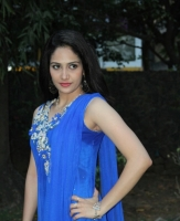 komal-sharma-beautiful-cute-stills-in-sleeveless-blue-churidar-dress_26be989c