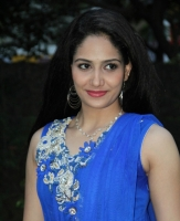 komal-sharma-beautiful-cute-stills-in-sleeveless-blue-churidar-dress_3f3bebea