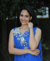komal-sharma-beautiful-cute-stills-in-sleeveless-blue-churidar-dress_b324c2e4