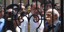 sanjay-dutt-before-the-arrest-at-residence-photos_b60258a4