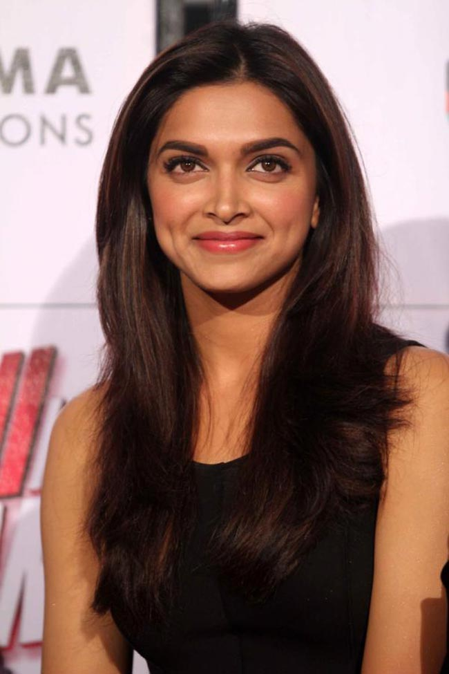 Deepika Hot Pics at Yeh Jawaani Hai Deewani Trailer Launch