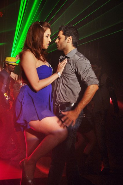 Jwala Gutta, Nitin Hot Item Song Stills