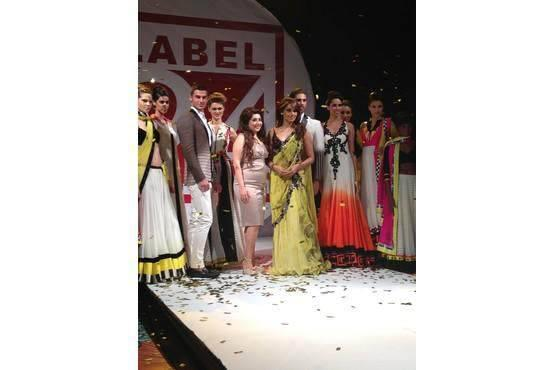 Bipasha Basu Walks The Ramp At Archana Kochhar's Label 24 Fashion Show
