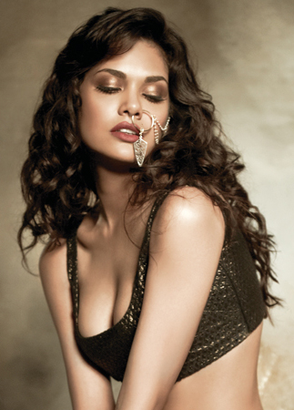 Esha Gupta Latest Hot Filmfare Photoshoot Pictures