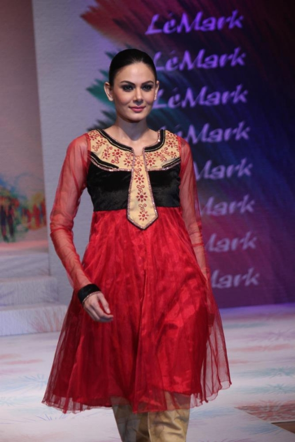 Models at Le'mark-Institute-Fashion Show