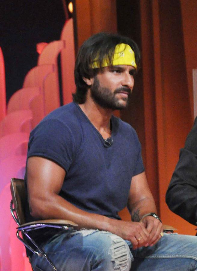 Saif Ali khan on the sets of Extra Innings T20 IPL 2013 Photos
