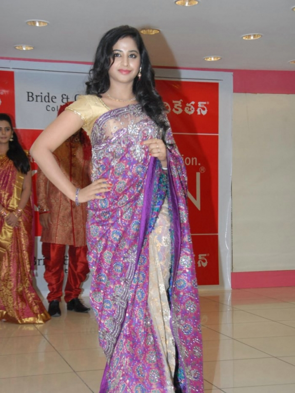 Swati Dixit at Kalanikethan Bride & Groom Collection 2013 Launch