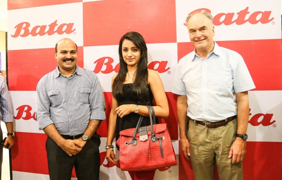 Trisha Launches New Bata Showroom Photos